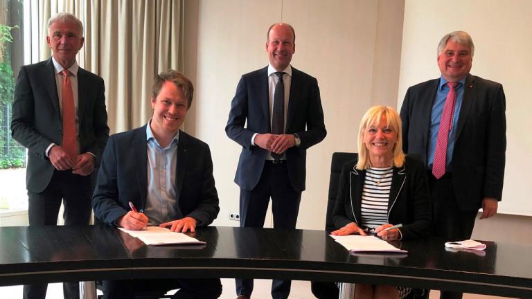 Unterzeichnung_Vereinbarung